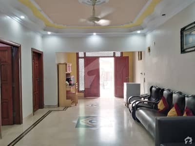 400 Sq Yards Town House Is Up For Rent For Both Commercial  Residential Use
