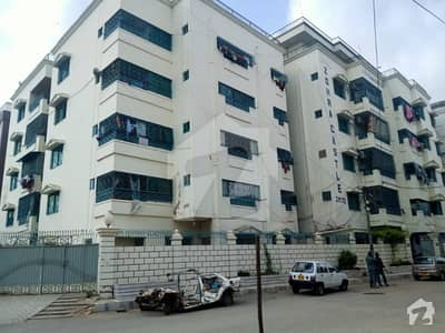 Near Numaish Chowrangi Parsi Colony 3 Bed Room Flat 1350 Sq Ft With Washing Area And 2 Cars Parking