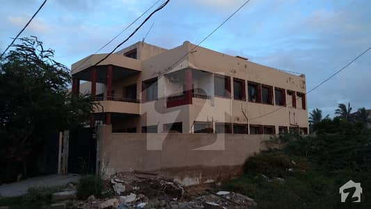 Double Story 1000 Sqy D  Bungalow Beautiful Bungalow Available For Sale
