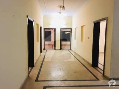 سوان گارڈن اسلام آباد میں 4 کمروں کا 1 کنال بالائی پورشن 42 ہزار میں کرایہ پر دستیاب ہے۔