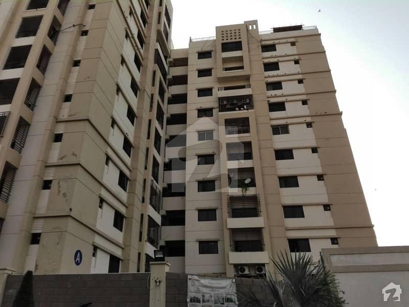 جناح ایونیو کراچی میں 3 کمروں کا 10 مرلہ فلیٹ 2.15 کروڑ میں برائے فروخت۔