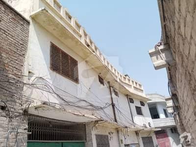 یونیورسٹی روڈ پشاور میں 11 کمروں کا 1.05 کنال مکان 3.55 کروڑ میں برائے فروخت۔
