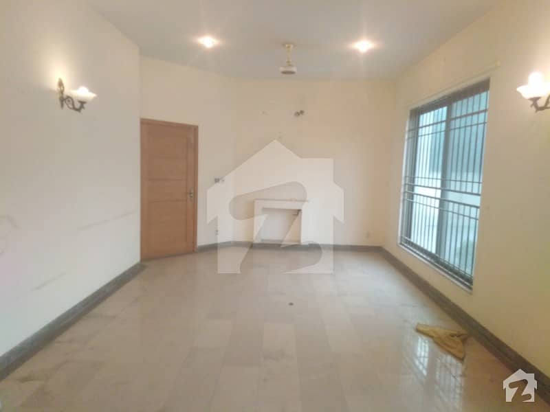 KANAL SINGLE STORY BUNGALOW FOR RENT