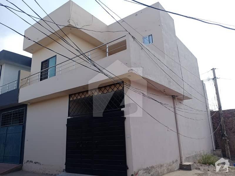 ملتان پبلک سکول روڈ ملتان میں 5 کمروں کا 4 مرلہ مکان 55 لاکھ میں برائے فروخت۔