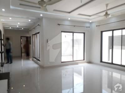 One Kanal Slightly Used Upper Portion  For Rent In Dha Lahore