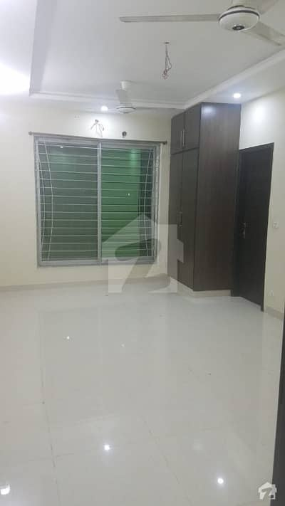 10 Marla Upper Portion Available For Rent Excellent Location