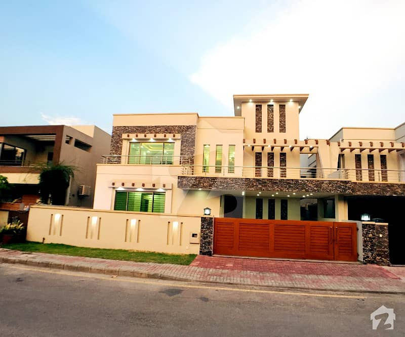 1 Kanal Aesthetic Design Semi Furnished House Up For Sale