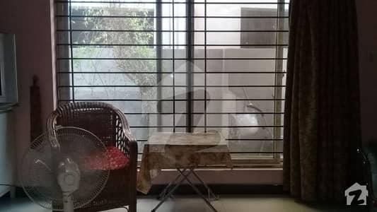 ڈی ایچ اے فیز 1 - سیکٹر ایف ڈی ایچ اے ڈیفینس فیز 1 ڈی ایچ اے ڈیفینس اسلام آباد میں 1 کمرے کا 1 مرلہ کمرہ 40 ہزار میں کرایہ پر دستیاب ہے۔