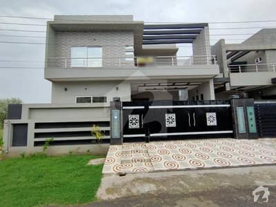 10 Marla Brand New Beautiful House Near To Main Road And Lord Of Food