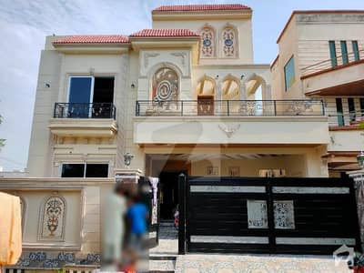 10 Marla Brand New Designer House At Hot Location Very Near To Park And Masjid