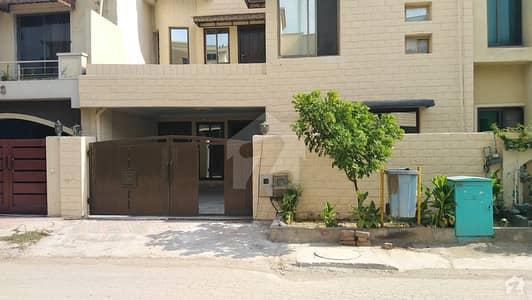 بحریہ ٹاؤن فیز 8 ۔ عثمان بلاک بحریہ ٹاؤن فیز 8 ۔ سفاری ویلی بحریہ ٹاؤن فیز 8 بحریہ ٹاؤن راولپنڈی راولپنڈی میں 5 کمروں کا 7 مرلہ مکان 1.25 کروڑ میں برائے فروخت۔