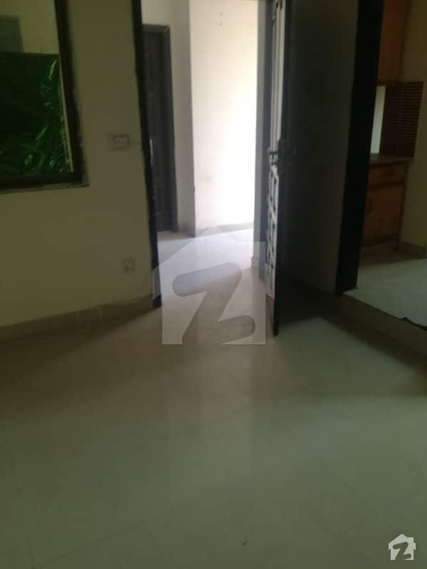 ای ۔ 11/3 ای ۔ 11 اسلام آباد میں 2 کمروں کا 4 مرلہ فلیٹ 75 لاکھ میں برائے فروخت۔