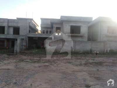 1 Kanal  Grey Structure 4 Bed House For Urgent Sale