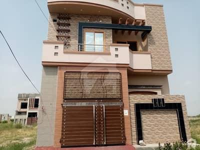 پنجاب گورنمنٹ سرونٹ ہاؤسنگ فاؤنڈیشن فیصل آباد میں 5 مرلہ مکان 1 کروڑ میں برائے فروخت۔