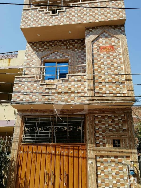 عامر ٹاؤن ہربنس پورہ لاہور میں 4 کمروں کا 3 مرلہ مکان 80 لاکھ میں برائے فروخت۔