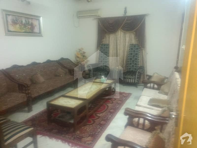 Well Maintained 240 Sqyd Ground Floor Portion 3 Bed Dd At Yasinabad Block 9