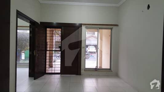 بحریہ ایجوکیشن اینڈ میڈیکل سٹی لاہور میں 3 کمروں کا 6 مرلہ مکان 34 ہزار میں کرایہ پر دستیاب ہے۔