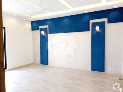 Kanal Upper Portion 3 Bedrooms Origional Pics For Rent In Phase 6