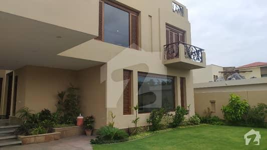 ڈی ایچ اے فیز 6 ڈی ایچ اے کراچی میں 6 کمروں کا 2 کنال مکان 26.5 کروڑ میں برائے فروخت۔