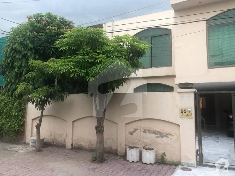 Room Is Available For Rent In 1 Kanal House