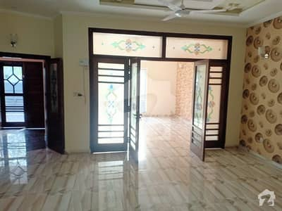 10 Marla Beautifully Build House Availalbe For Rent Immediately
