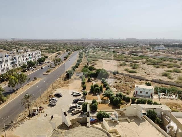 جناح ایونیو کراچی میں 3 کمروں کا 8 مرلہ فلیٹ 98 لاکھ میں برائے فروخت۔