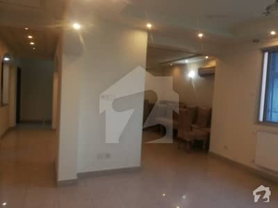 4 Bedroom Apartment Is Available For Urgently Sale