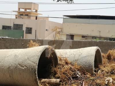 گلستانِِ جوہر ۔ بلاک اے 1 گلستانِ جوہر کراچی میں 1.2 کنال رہائشی پلاٹ 7.5 کروڑ میں برائے فروخت۔