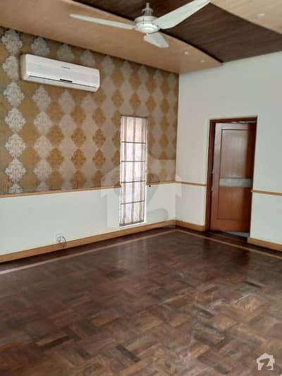 D H A Lahore 1 Kanal Owner Build Design House With 100 Original Pics Available For Rent