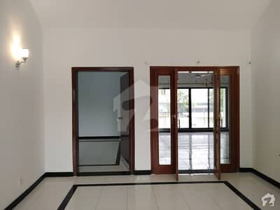 Fully Renovated House Is Availiable For Rent
