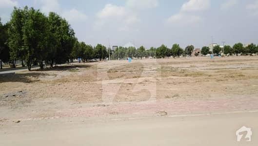 بحریہ ٹاؤن جناح بلاک بحریہ ٹاؤن سیکٹر ای بحریہ ٹاؤن لاہور میں 5 مرلہ رہائشی پلاٹ 54 لاکھ میں برائے فروخت۔