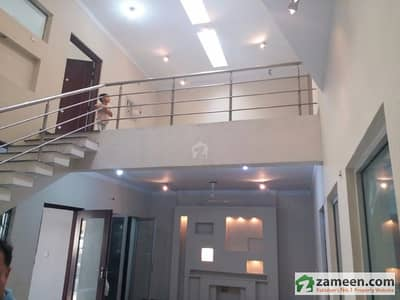 Corner Double Storey House For Rent