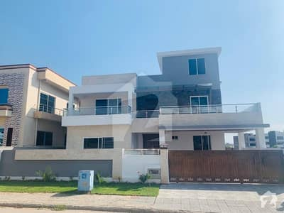 1 Kanal Brand New Architecture Design Exclusive Bungalow On Top Height Prime Location For Sale In Reasonable Price