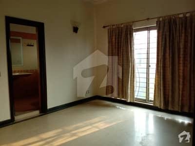 ایڈن سٹی ایڈن لاہور میں 3 کمروں کا 10 مرلہ بالائی پورشن 35 ہزار میں کرایہ پر دستیاب ہے۔