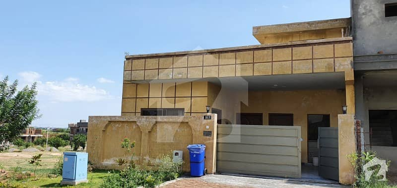 گلبرگ ریزیڈنشیا - بلاک آئ گلبرگ ریزیڈنشیا گلبرگ اسلام آباد میں 3 کمروں کا 7 مرلہ مکان 1.35 کروڑ میں برائے فروخت۔