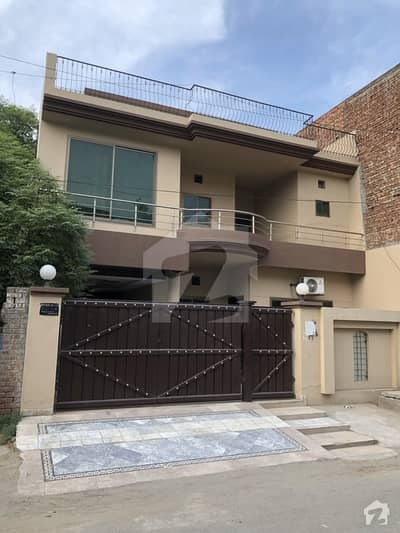 10 Marla Super Furnished Triple Storey House