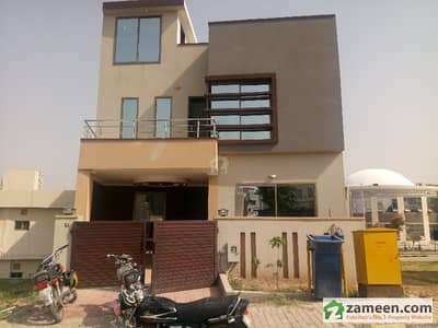 Bahria Town 5 Marla Double Storey Beautiful House For Rent Best Area