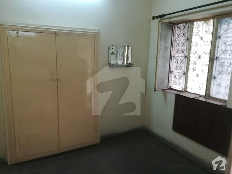 Old 3 Marla Triple Storey House Sale At Plot Price