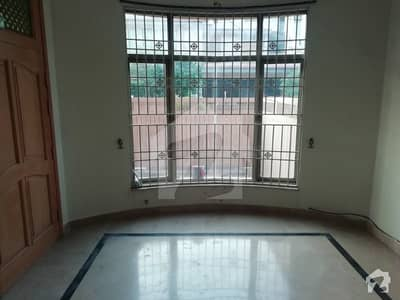 1 Kanal Neat Clean 3 Bed Upper Portion Separate Gate For Rent