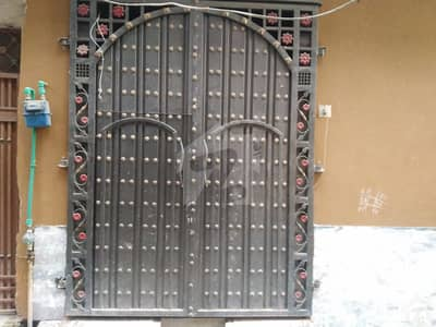 گورنمنٹ سپیریئر سائنس کالج روڈ پشاور میں 3 کمروں کا 2 مرلہ مکان 42 لاکھ میں برائے فروخت۔