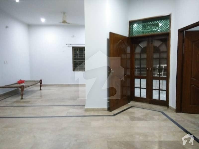 مصطفیٰ ٹاؤن لاہور میں 2 کمروں کا 8 مرلہ زیریں پورشن 28 ہزار میں کرایہ پر دستیاب ہے۔