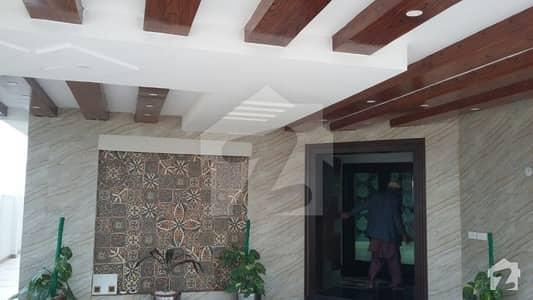 ڈی ایچ اے فیز 6 - بلاک ایچ فیز 6 ڈیفنس (ڈی ایچ اے) لاہور میں 5 کمروں کا 1 کنال مکان 4.25 کروڑ میں برائے فروخت۔