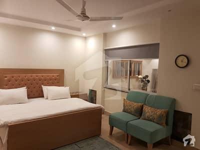 ڈی ایچ اے فیز 5 ڈیفنس (ڈی ایچ اے) لاہور میں 1 کمرے کا 4 مرلہ فلیٹ 90 ہزار میں کرایہ پر دستیاب ہے۔