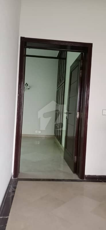 Beautiful Location 10 Marla Full House Are Available For Rent In Phase 5