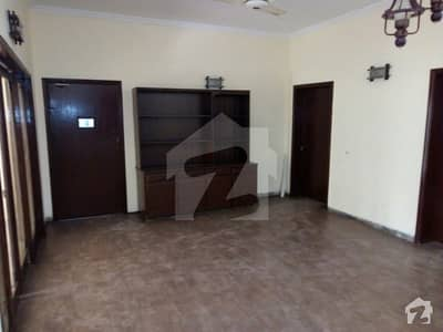 One Kanal 6 Beds House For Sale In Cavalry Ground Lahore