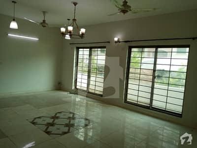 Ground Floor 10 Marla 3 Beds Flat For Rent In Sec B Askari 11