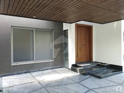 Fully Renovated Triple Storey House For Rent