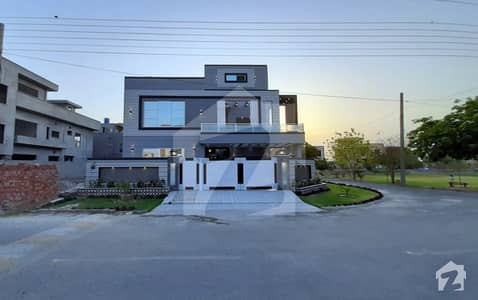 16 Marla Corner House Is Available For Sale In Valencia Housing Society Lahore