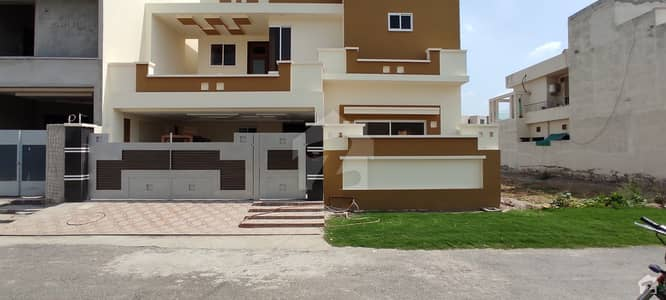 10 Marla House Available For Sale