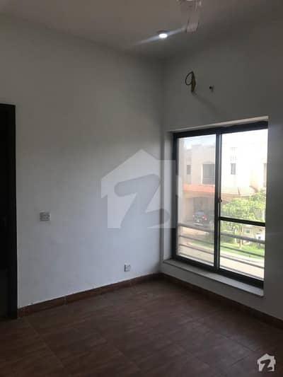ڈیفینس رایا ڈی ایچ اے ڈیفینس لاہور میں 4 کمروں کا 10 مرلہ مکان 65 ہزار میں کرایہ پر دستیاب ہے۔